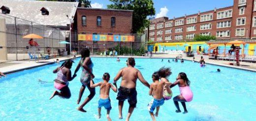 """纽约市公共泳池因疫情关闭,被批""""会使更多孩子溺死"""""""