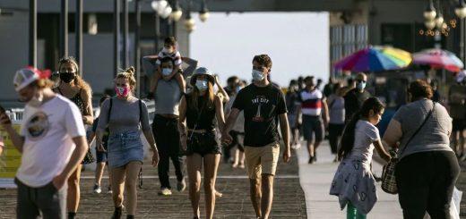 中餐馆要求顾客戴口罩 竟遭一群白人围攻打砸 华人老板娘吓破胆!