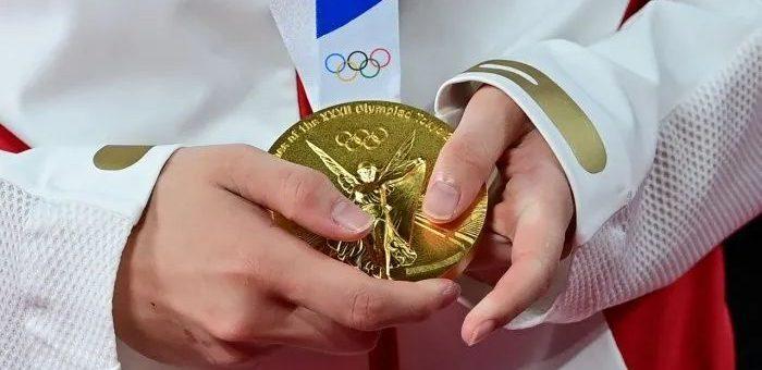 运动员们变卖奖牌,希腊选手含泪退役。贫穷打倒了选手们...